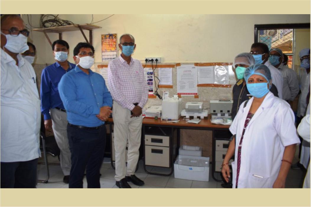 Bokaro SDO Shashi Prakash Singh inaugurates the new Covid-19 screening machine at sadar hospital JharKhand